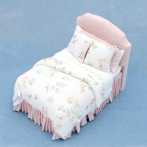 Twin Bed, Pink and White Floral