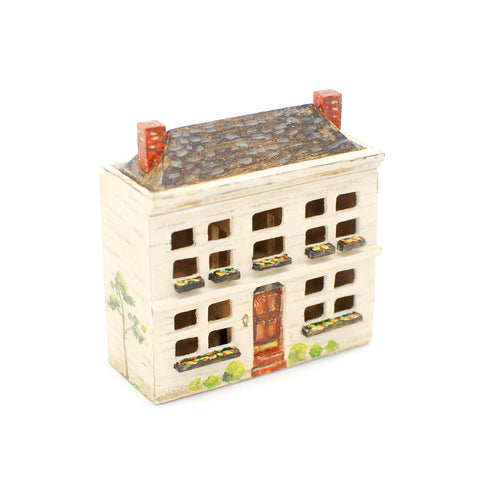 1:44 Scale Dollhouse, Hand Painted