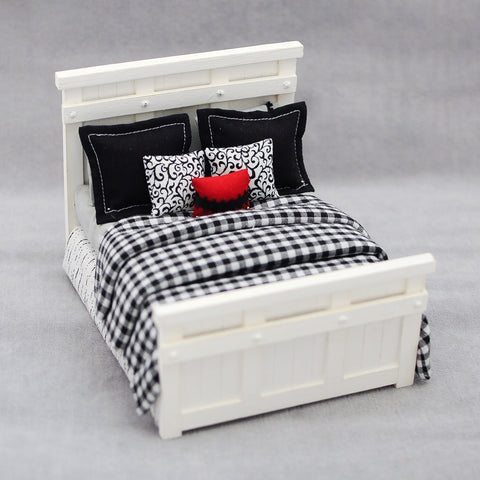 Farm Style Bed, Black Plaid