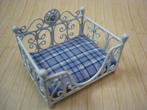 Pet Bed, Blue Plaid