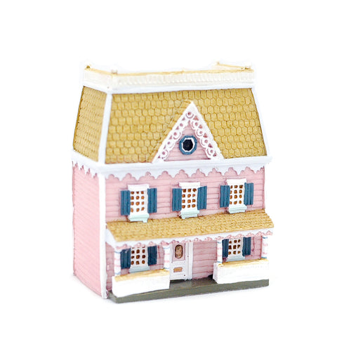 Dollhouse for a Dollhouse, Plum Pudding