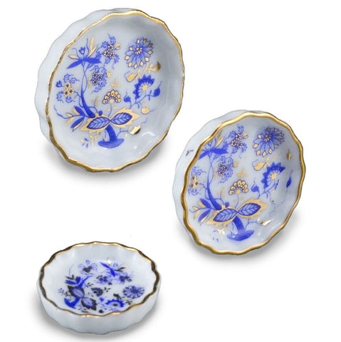 Blue Onion Pie Plate Set