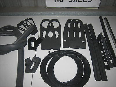 MG MGB MK1 BODY RUBBER KIT 62-66 - MG Sales & Service