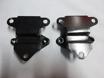 21A1902X MINI MORRIS MOKE LEYLAND CLUBMAN ENGINE MOUNT PAIR W/ CAPTIVE NUTS - MG Sales & Service - 1