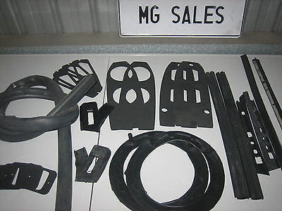 MG MGB MK1 MK11 BODY RUBBER KIT 66-70 - MG Sales & Service