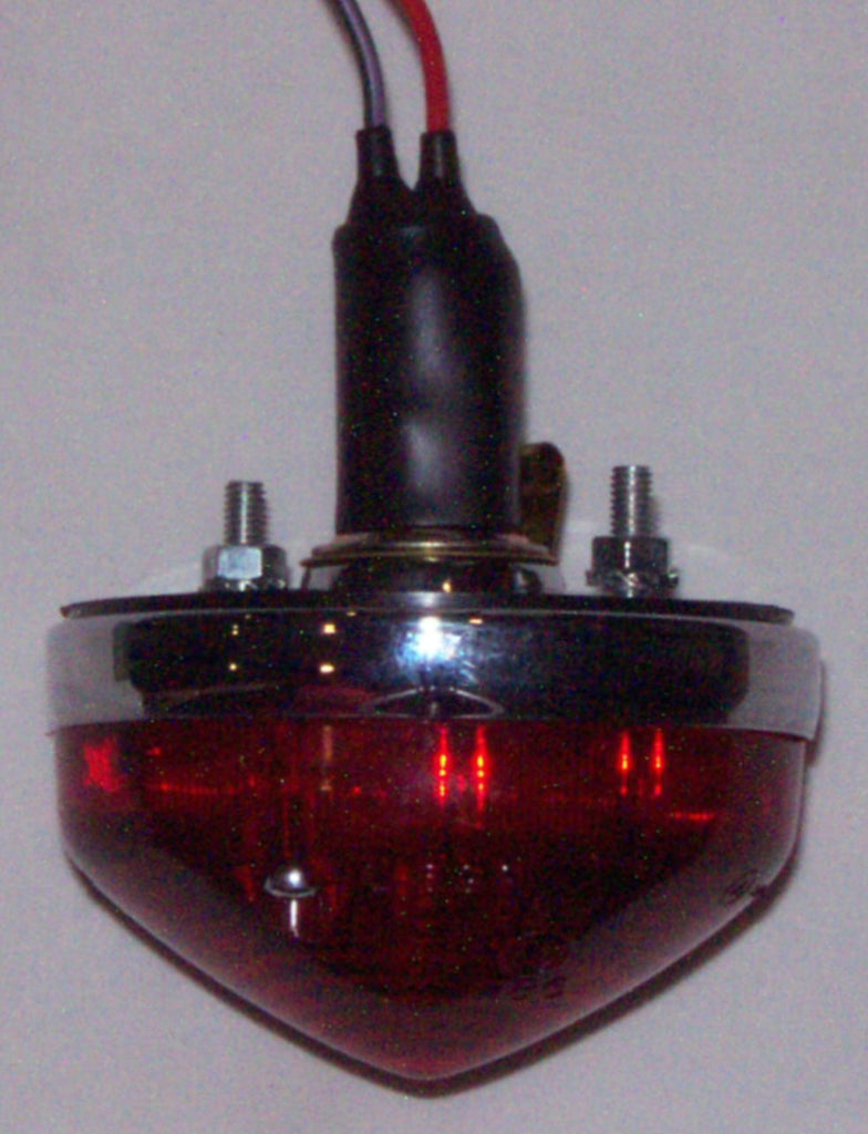 144-430 BHA4462 LAMP 380REAR RED BJ8