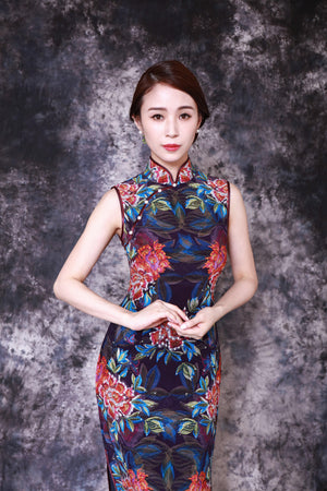【PEONY】 Limited Museum Edition 100% Silk Crystal Qipao