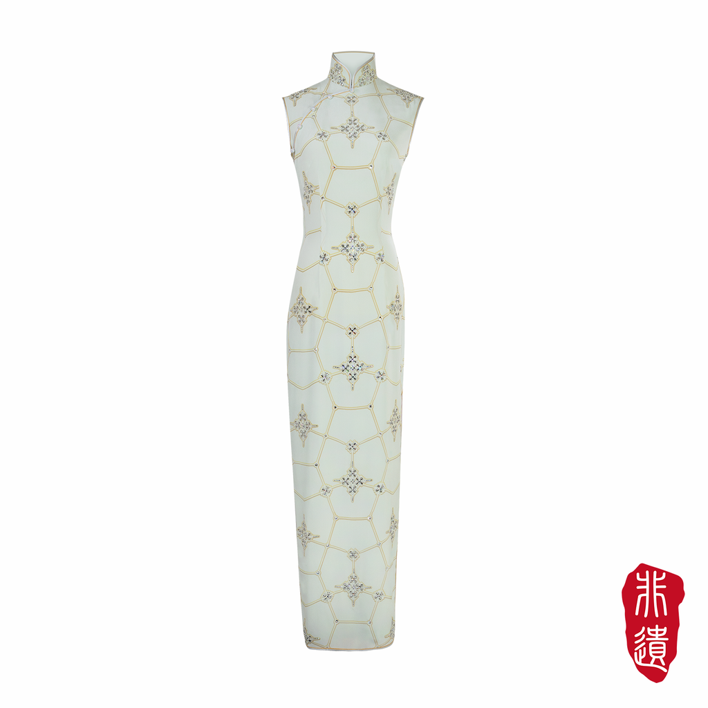 【SNOWFLAKE】Masterpiece Collection Haute Couture 100% Silk Crystal Wedding Cheongsam (Sleeveless/Tailored Fit)