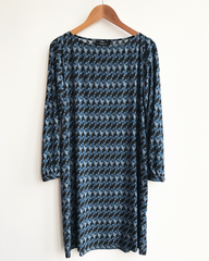 Arki Shift Dress - Long Sleeves