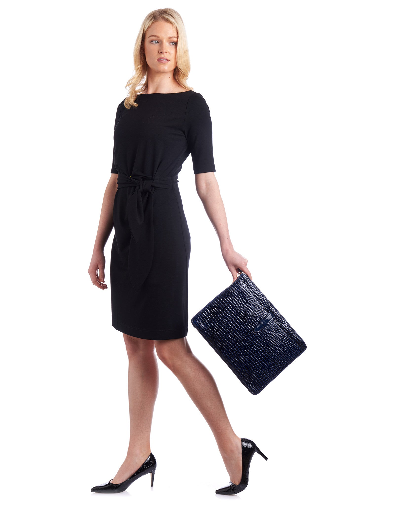 This Tahlo dress is the perfect work dress to look classic and ready for business