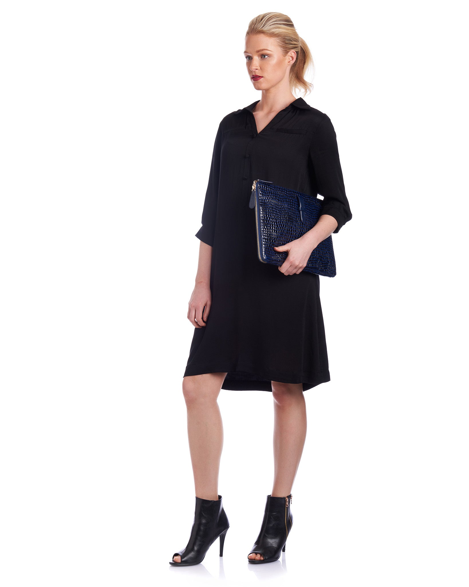 The Tahlo relaxed fit shirt dress in black is the perfect workwear