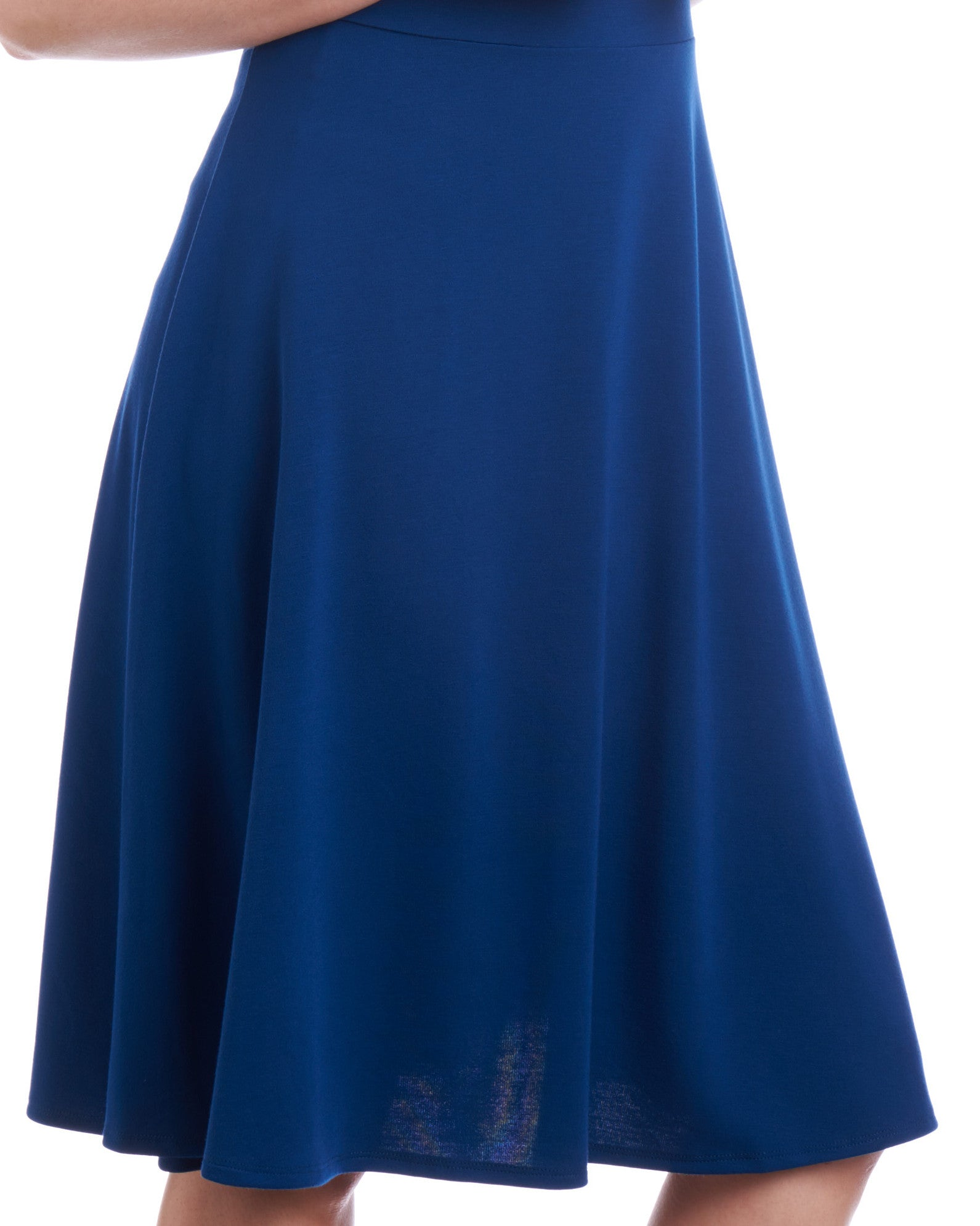 With the Tahlo fit & flare dress you can customise the length of the skirt to suit your height.