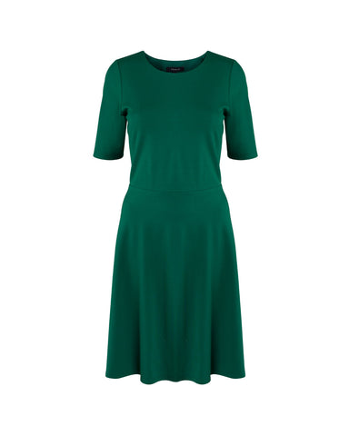 Tahlo's fit and flare dress can be customised to suit your body shape and give you the confidence you deserve.