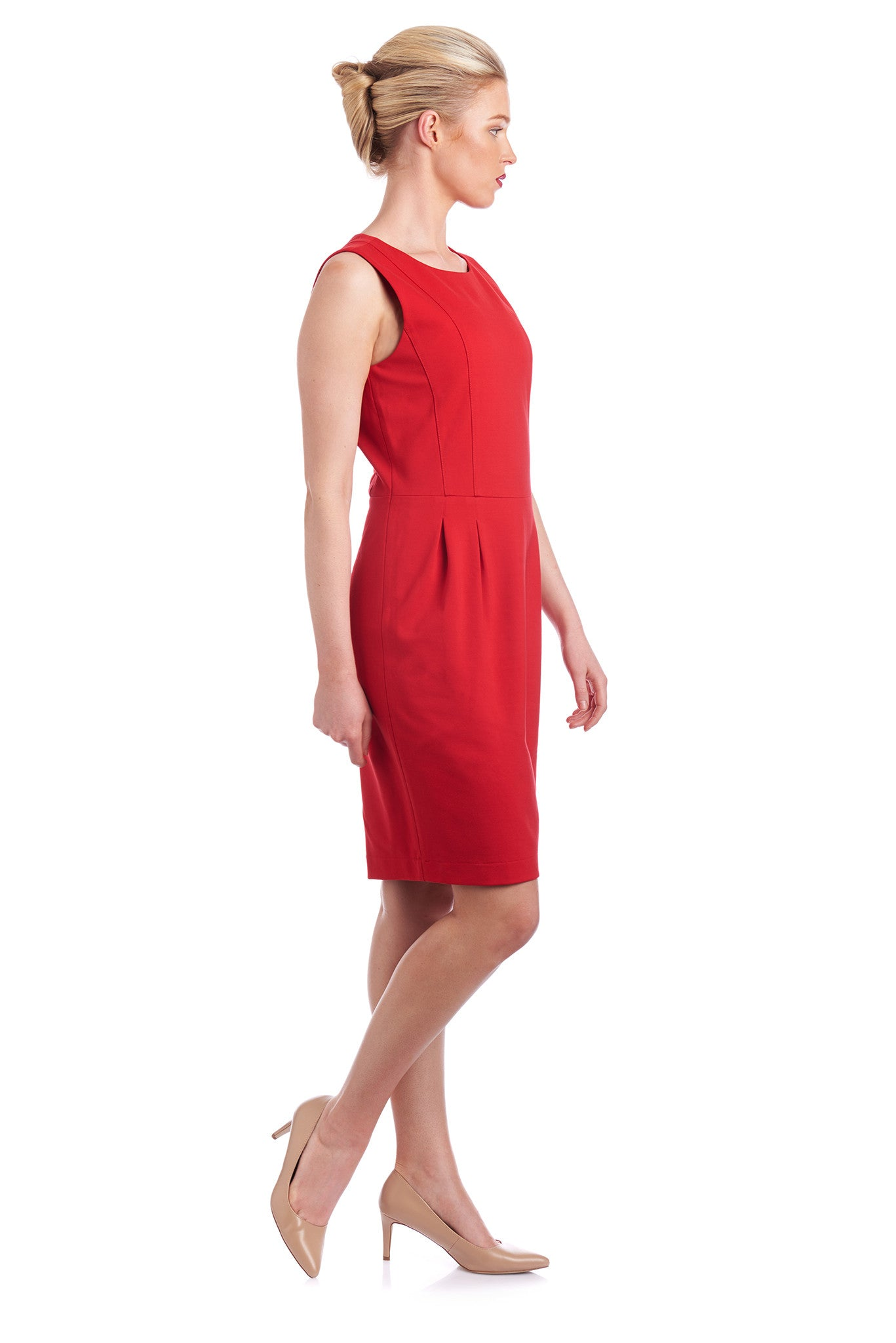 Cusomise the dress length by altering the length of the skirt to suit your body shape.