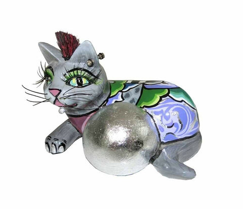Toms Drag: Cat With Silverball
