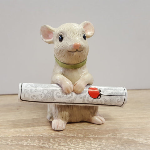 GOEBEL - Figurine - CHRISTMAS MOUSE WEARING RIBBON