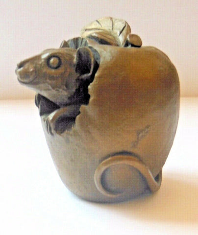 ORIELE BRONZE - MOUSE IN AN APPLE