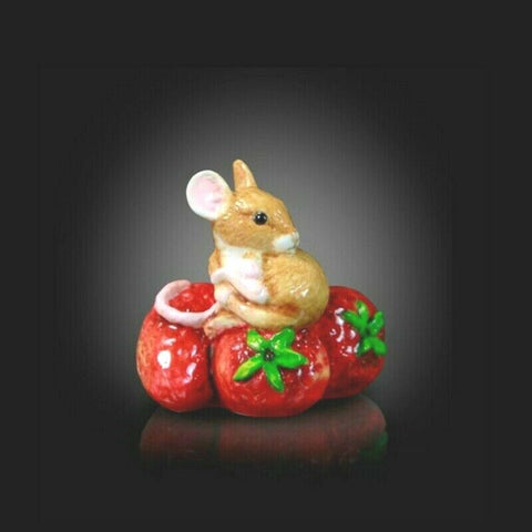 RICHARD COOPER STUDIO - BONE CHINA - MOUSE ON STRAWBERRY