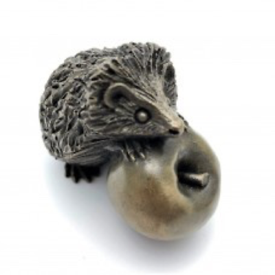 Oriele Bronze: Small Hedgehog On Apple