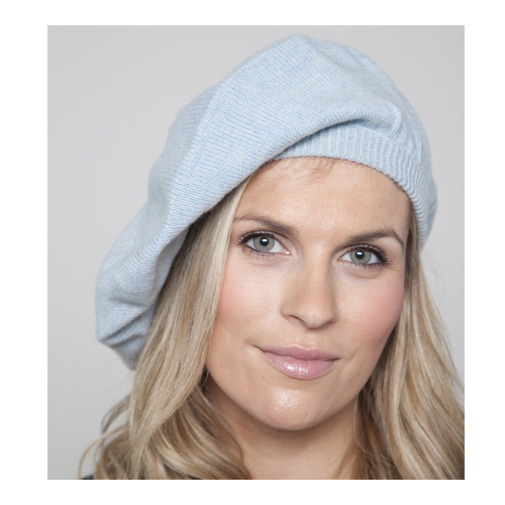 cashmere beret baby blue