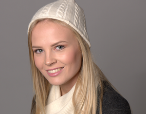 cashmere cable knit hat cream