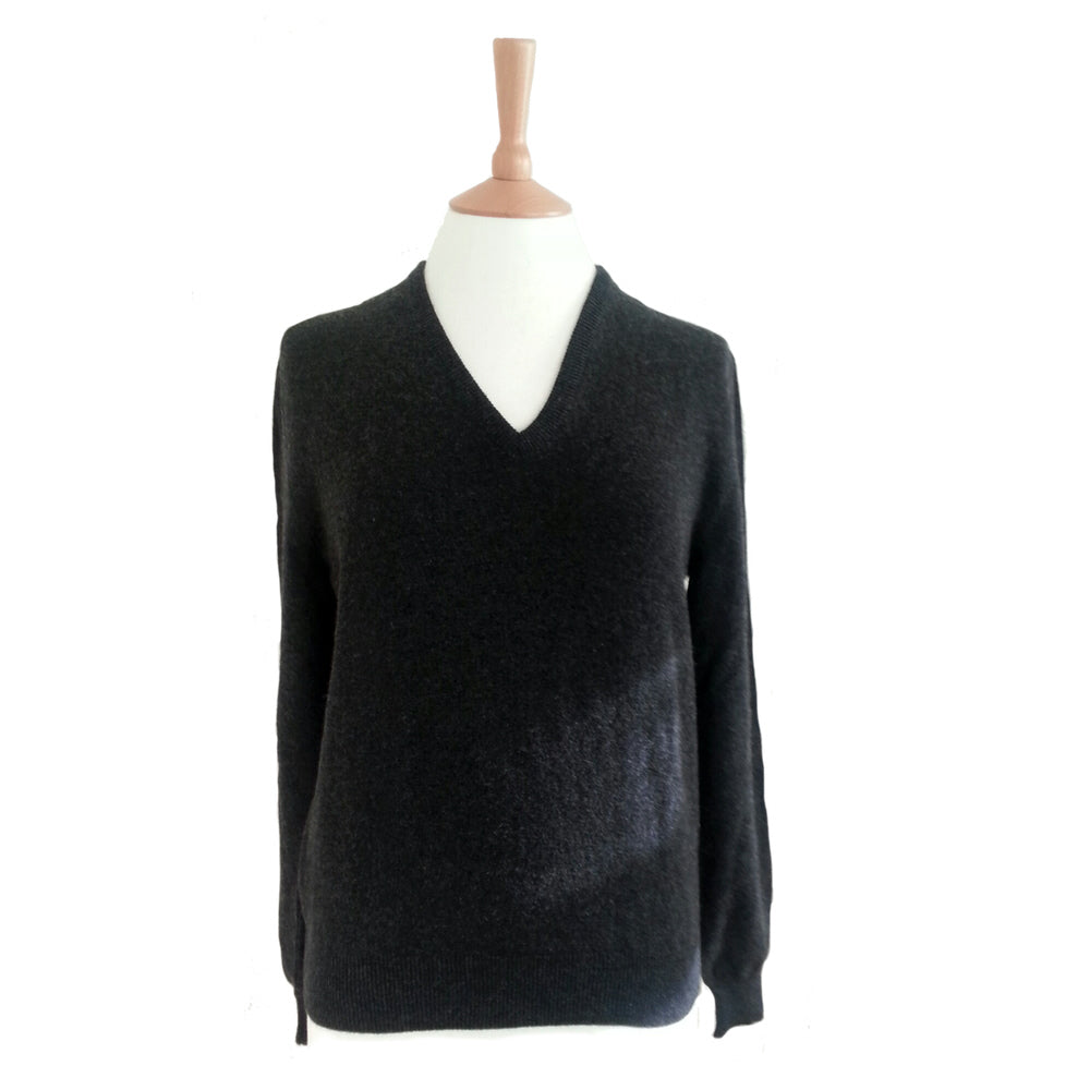 women's cashmere v neck jumper charcoal