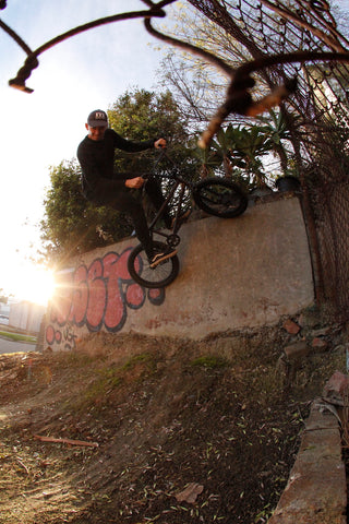 bmx dirt wallride