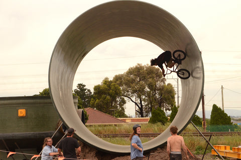 fullpipe bmx riding