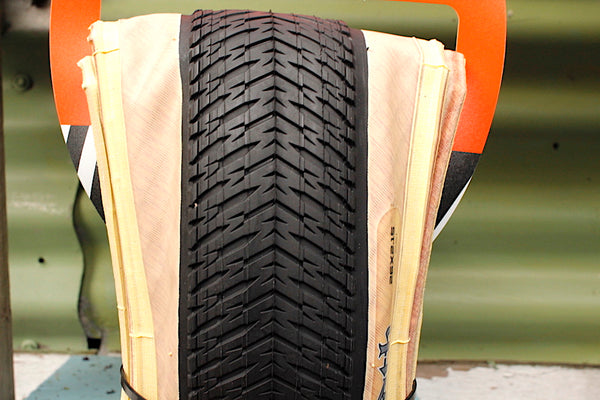 MAXXIS DTH 26 TYRE TAN WALL