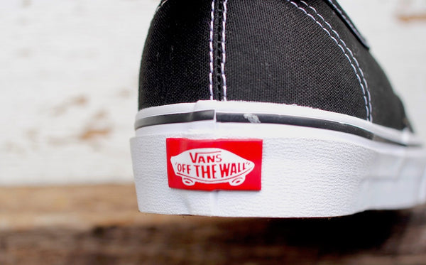 VANS AUTHENTIC BLK/WHITE