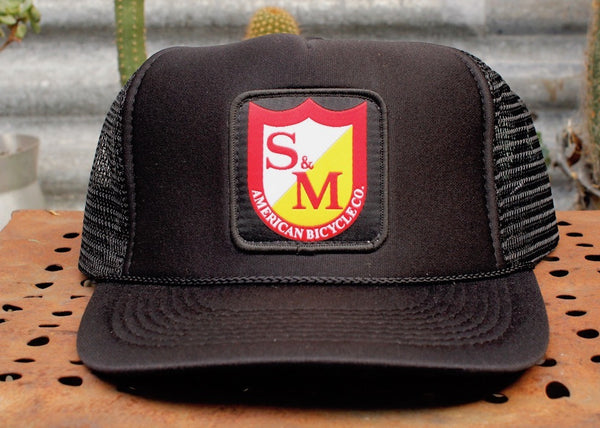 S&M PATCH TRUCKER HAT BLK