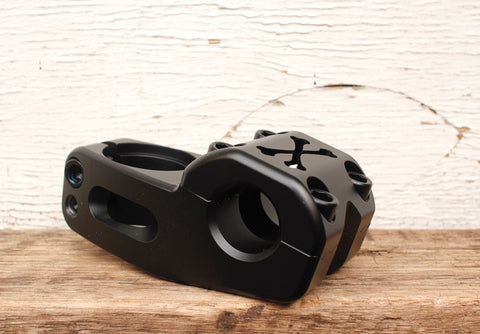 TEMPERED CROSS BONES STEM BLK