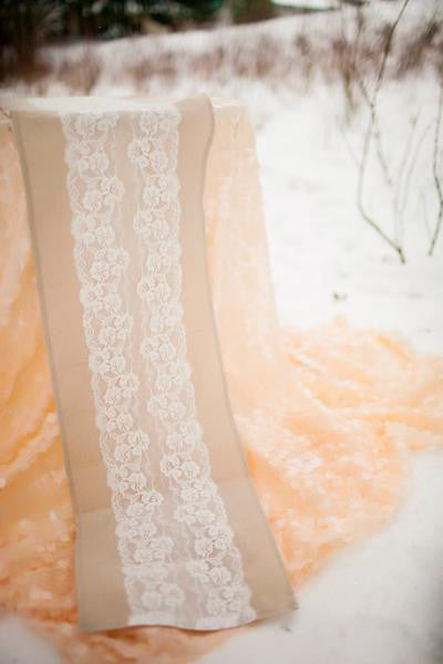 lace table runner wedding ideas