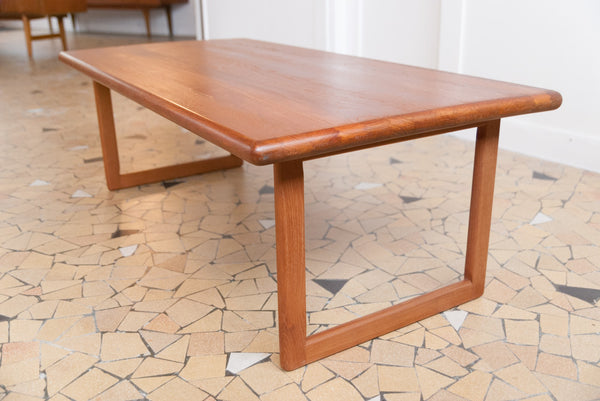 Table basse minimaliste en teck massif