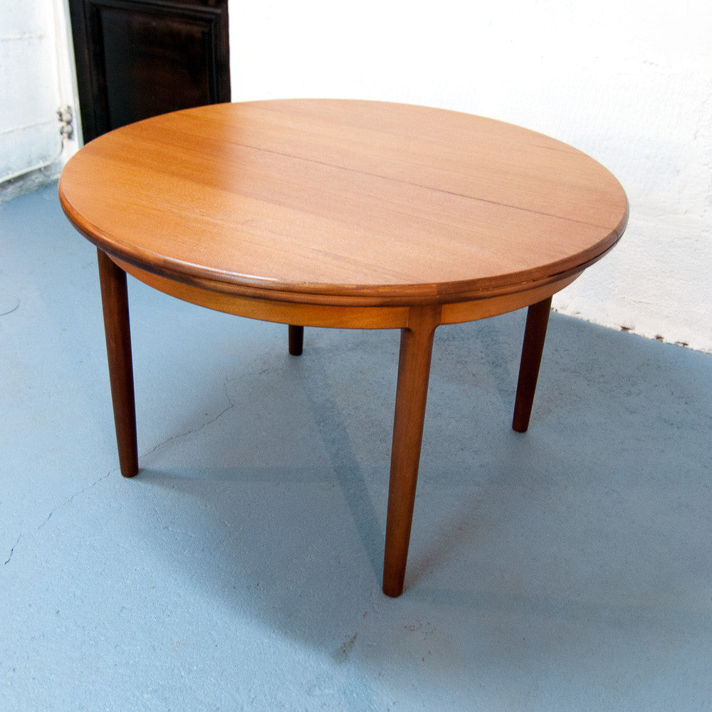 table ronde scandinave rallonges vintage monsieur joseph