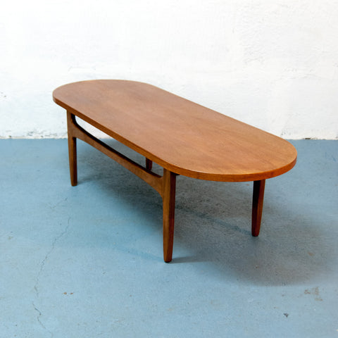 Table basse arrondie 147cm