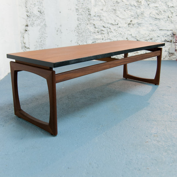 Table basse moderniste Gplan