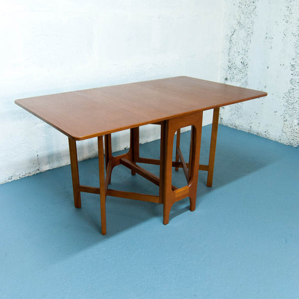 Table scandinave à rabats