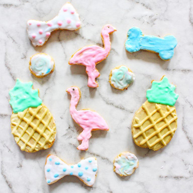 DIY Dog Treats and Icing - A PAWFECT Summer Time Treat!