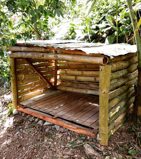 DIY Dog House - Jamaica Edition