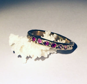 Narrow 14k gold divot ring with 6 gems