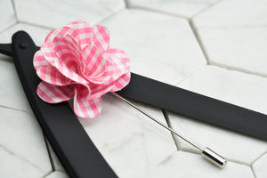An image of a summer pink patterned lapel pin.