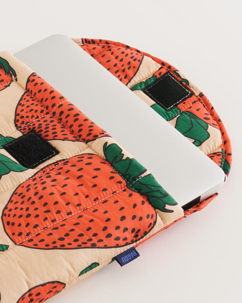 Puffy Laptop Sleeve - Strawberry