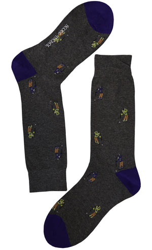 If you're a golf lover, these dark grey socks are for you. Their caddie pattern adds a playful touch to an everyday accesory. Wear them to the office and in between meetings.