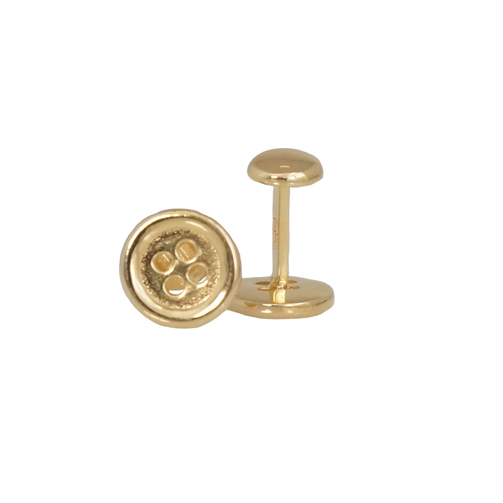 Add a touch of elegance to your look with our button shape cufflinks. Made 100% in silver with a bath in gold. These cufflinks will make the perfect gift for the modern gentleman.