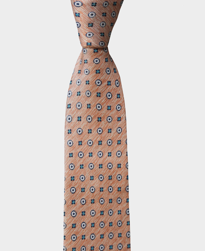 Add a stylist touch to your look with this linen print tie.