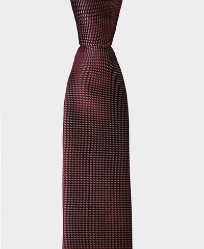 Consider this tie an elegant way to incorporate texture into your outfit. Our wine litmus tie it's crafted 100% from silk, giving it a luxurious look.