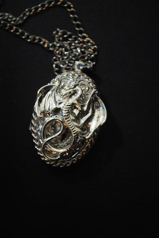 Game Of Thrones / House Targaryen Locket Necklace/ Silver / Oval Locket - HAM4WESTEROS - 1