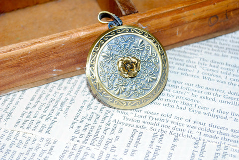 Game Of Thrones House Tyrell Locket Necklace Gold Flower Cosplay Made To Order - HAM4WESTEROS - 1