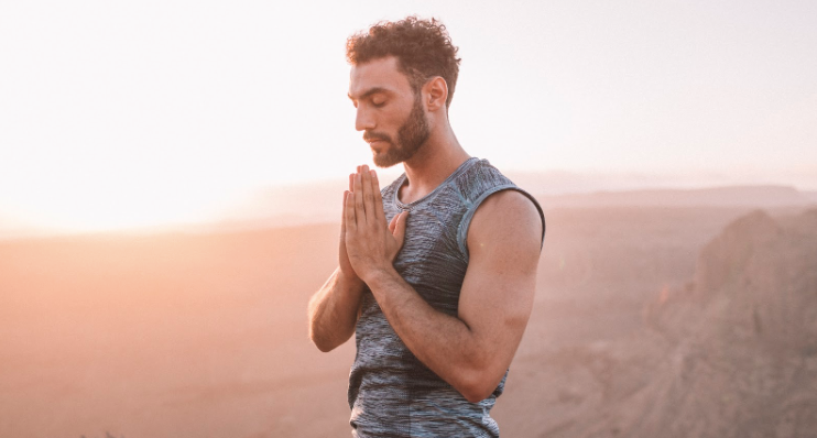 6 Ways to Practice Proper Yoga Etiquette